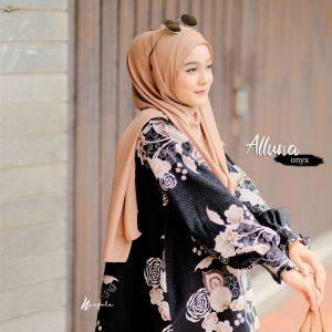 atasan wanita hijab motif 2021 2022