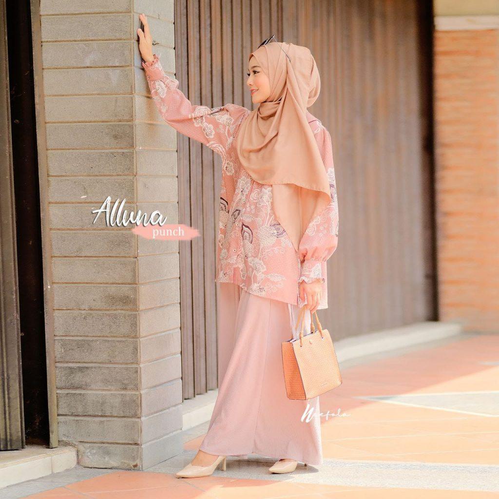 model atasan wanita hijab terbaru 2021 2022
