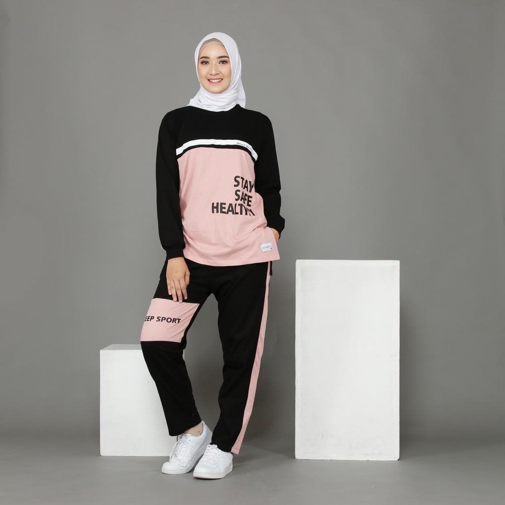 setelan kaos olahraga wanita muslimah